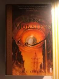 Livro Percy Jackson- o mar de monstros