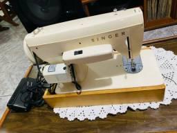 Título do anúncio: Máquina de costura Singer   450,00