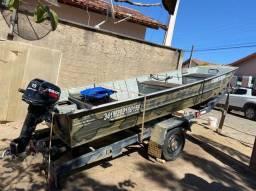 Título do anúncio: Barco semi chata com motor e carretinha