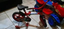 Título do anúncio: Triciclo e bicicleta
