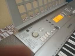 Título do anúncio: Vendo teclado Yamaha psrE303