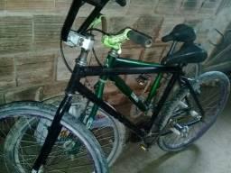 Bicicleta toda boa 270 reais  vir buscar na minha casa
