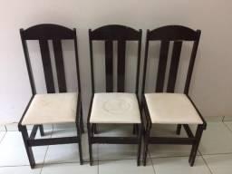 Cadeiras de madeira (usadas)