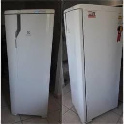Geladeira Electrolux RFE39
