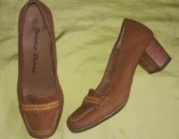 Sapato bruno diniz 33/34 r$40