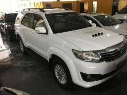 IMPECÁVEL Toyota Hilux SW4 SRV 3.0 Diesel 7 lugares - 2014