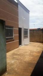 Aluga-se casa no aureny 3, bem localizada perto do posto d saúde,supermercado,escola,feira