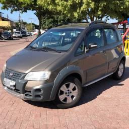 Fiat Idea Adventure 1.8 MPI Dualogic 2010 - recém revisado