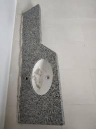 Vende-se bancada de granito para banheiro