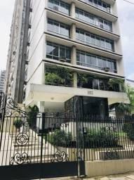 Vende-se Apartamento no Ed. Santa Lúcia
