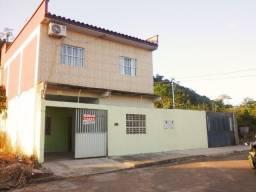 Vende-se Prédio com 2 Casas