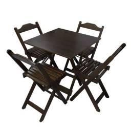 Cjto de Mesas e cadeiras de madeira