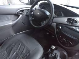 Focus Sedan 2002 - Aceito cartão