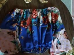 Blusa tomara que caia curta floral