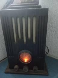 Venda ou troca de um rádio retrô usado por uma caixa jbl a prova d'água