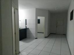 Alugo apartamento na Avenida João Wallig
