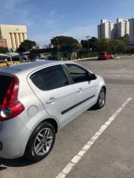 Fiat Palio attractive 1.4 completo  baixo km