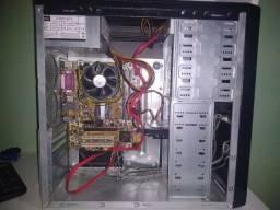 CPU - Intel Core 2 Duo E7500 - 4GB de RAM - HD de 500 GB