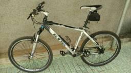 Bicicleta aro 26 mountain bike, Cross country ou Downhill
