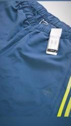 Bermuda Adidas ( nova ) R$:99,90 pra vender,  ainda com etiqueta