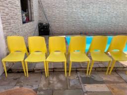 Título do anúncio: Cadeiras amarelas