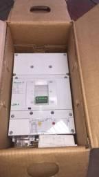 Disjuntor Tripolar Caixa Moldada 1600a 70ka - Modelo Lzms4-a