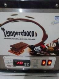 Derretedeira e tempeiradeira de chocolate
