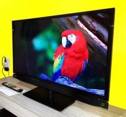 "TV TOSHIBA 32"" PoLEGADAS LED"