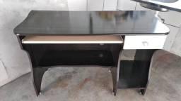 Mesa escrivaninha 100,00