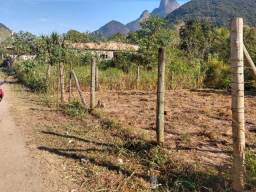 Vende-se Terreno na Serra Macaense