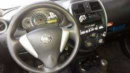 Nissan Versa 2016 mod 2017 Completo - 2017