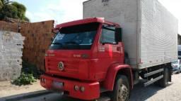 Caminhão 13.180 baú - 2011