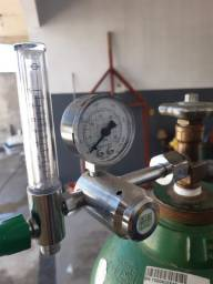 Regulador De Pressão Com Fluxometro Para Oxigenio Medicinal