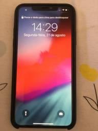 IPhone 11 pro max 64 gb 1 Mês de uso na caixa e acessórios sem detalhes