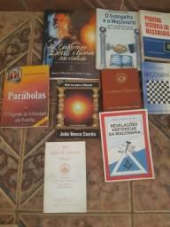 Livros sobre Moçonaria.
