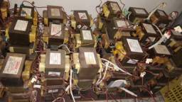 Trafos para microondas 110 e 220 volts
