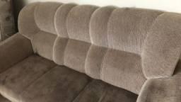 Vendo sofá de três lugares