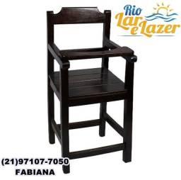 Título do anúncio: Cadeira Bebe De Madeira Com Trava  - Imbuia