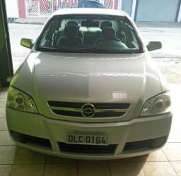 Astra Sedan 2.0 8V 2003 CD Prata