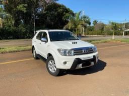 Título do anúncio: Toyota Hilux SW4 3.0 Diesel 2011 SRV 7 Lugares Automática 4x4 / zerada / troco e financio