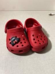 Título do anúncio: Crocs infantil minnie tamanho 23