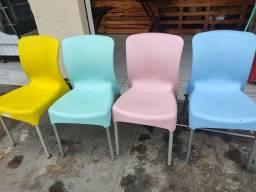 Título do anúncio: Cadeiras coloridas