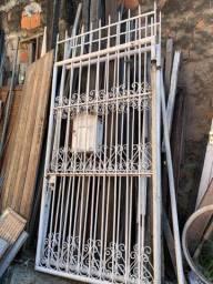 Portão duplo