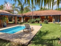 CH0917 - Chácara com escritura, 05 quartos, piscina aquecida, pomar em Pinhalzinho