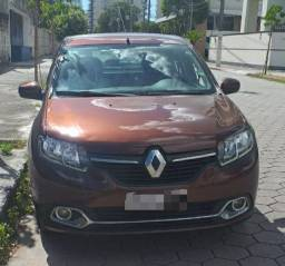Logan Expression 2015 MOTOR 1.0 C/ kit gás  Financio pelo Banco