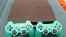 Título do anúncio: Playstation 3 - Modelo Slim - Completo - mais 2 controles - cheio de jogos