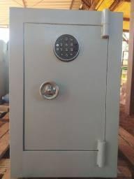 COFRE com fechadura eletrônica.