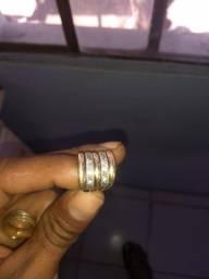 Vendo aneis de ouro e prata