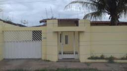 Aluga- Se Imóvel Residencial Ferreira Da Costa