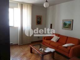 Apartamento para alugar com 3 dormitórios em Centro, Uberlândia cod:587016